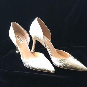 High heel platinum pump